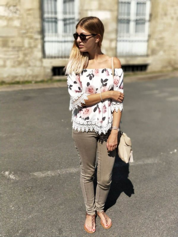 IMG 8686 600x800 - Jolie blouse fleurie