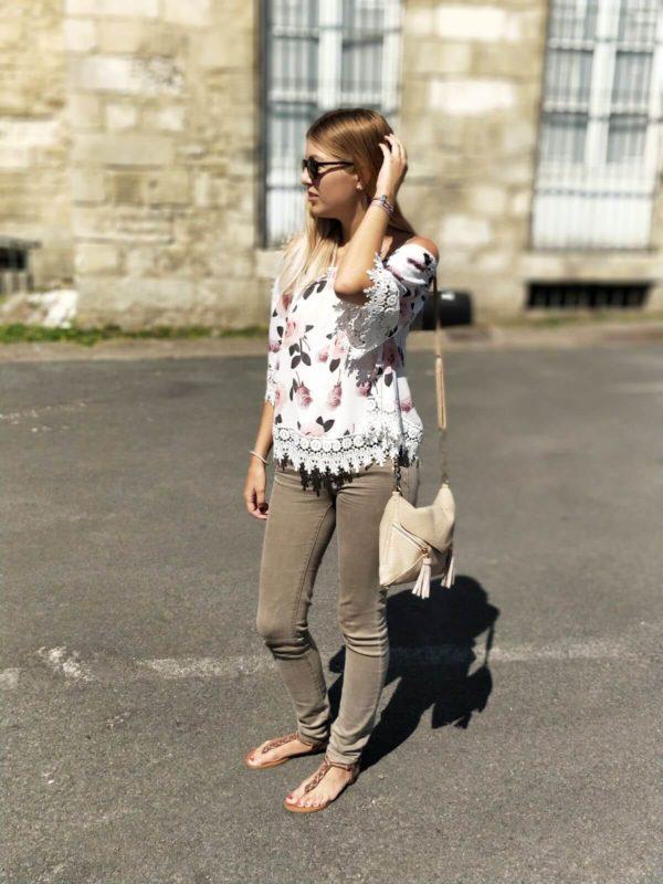 IMG 8693 600x800 - Jolie blouse fleurie
