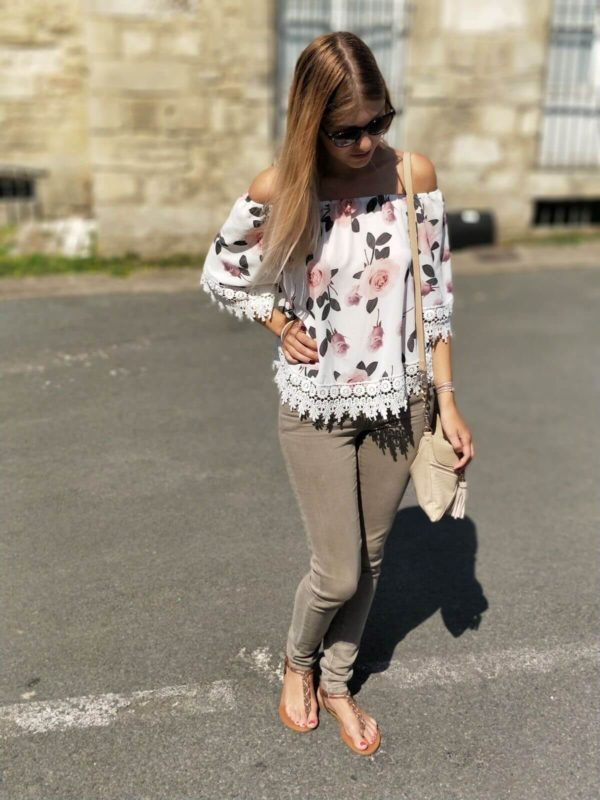 IMG 8701 600x800 - Jolie blouse fleurie