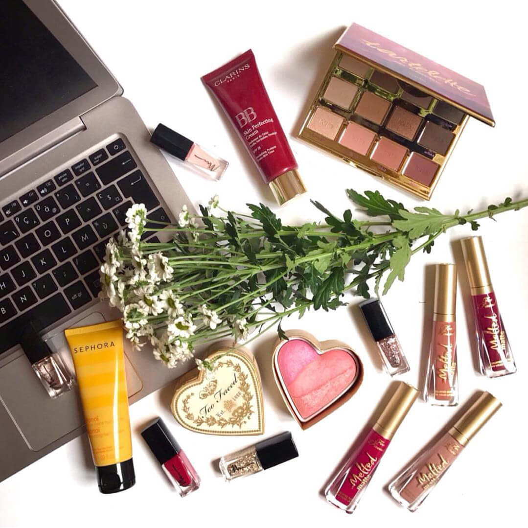 blog flatlay maquillage - On repart à zéro !