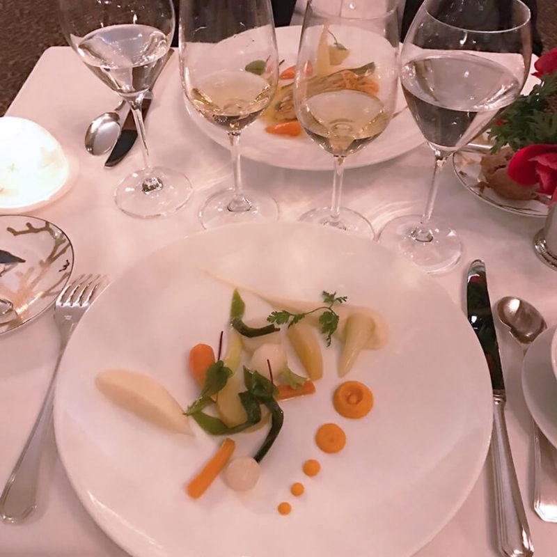 plat restaurant gastronomique 800x800 - Tous au restaurant !