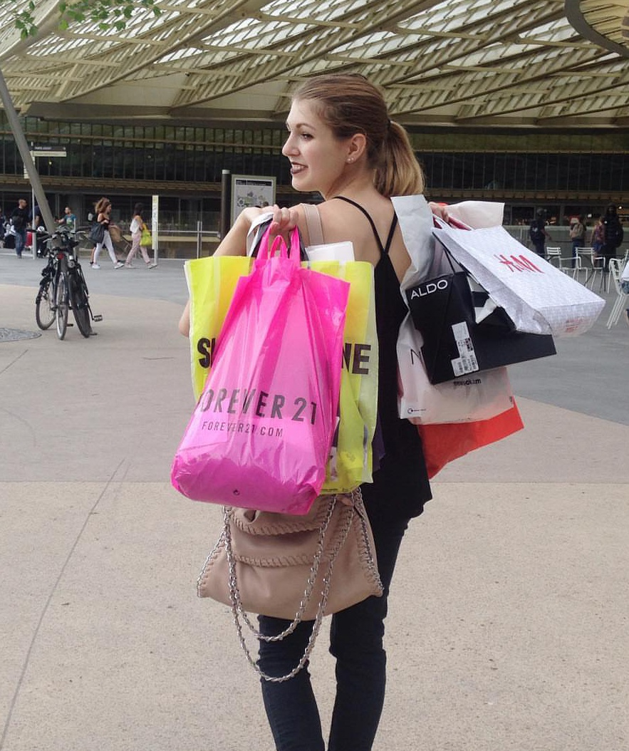 soldes shopping - Les adresses des outlets parisiens
