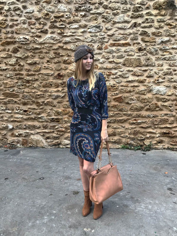 tenue robe bandeau7 600x800 - La jolie robe motif cachemire
