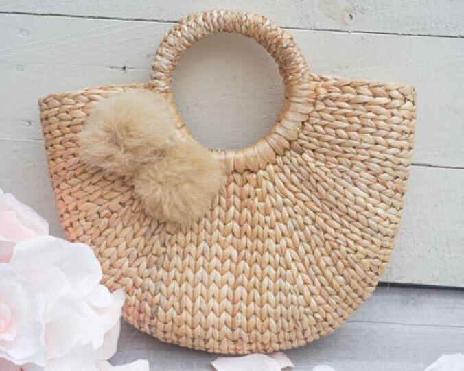 panier paille pompon etsy - Quand le panier remplace le sac à main