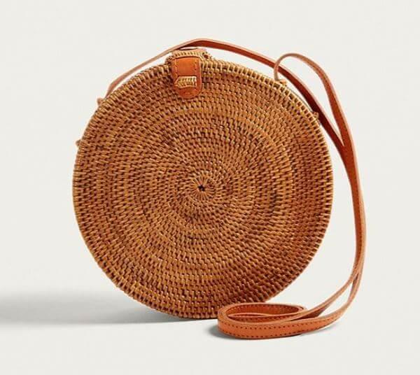 sac rond urban outfitters - Quand le panier remplace le sac à main