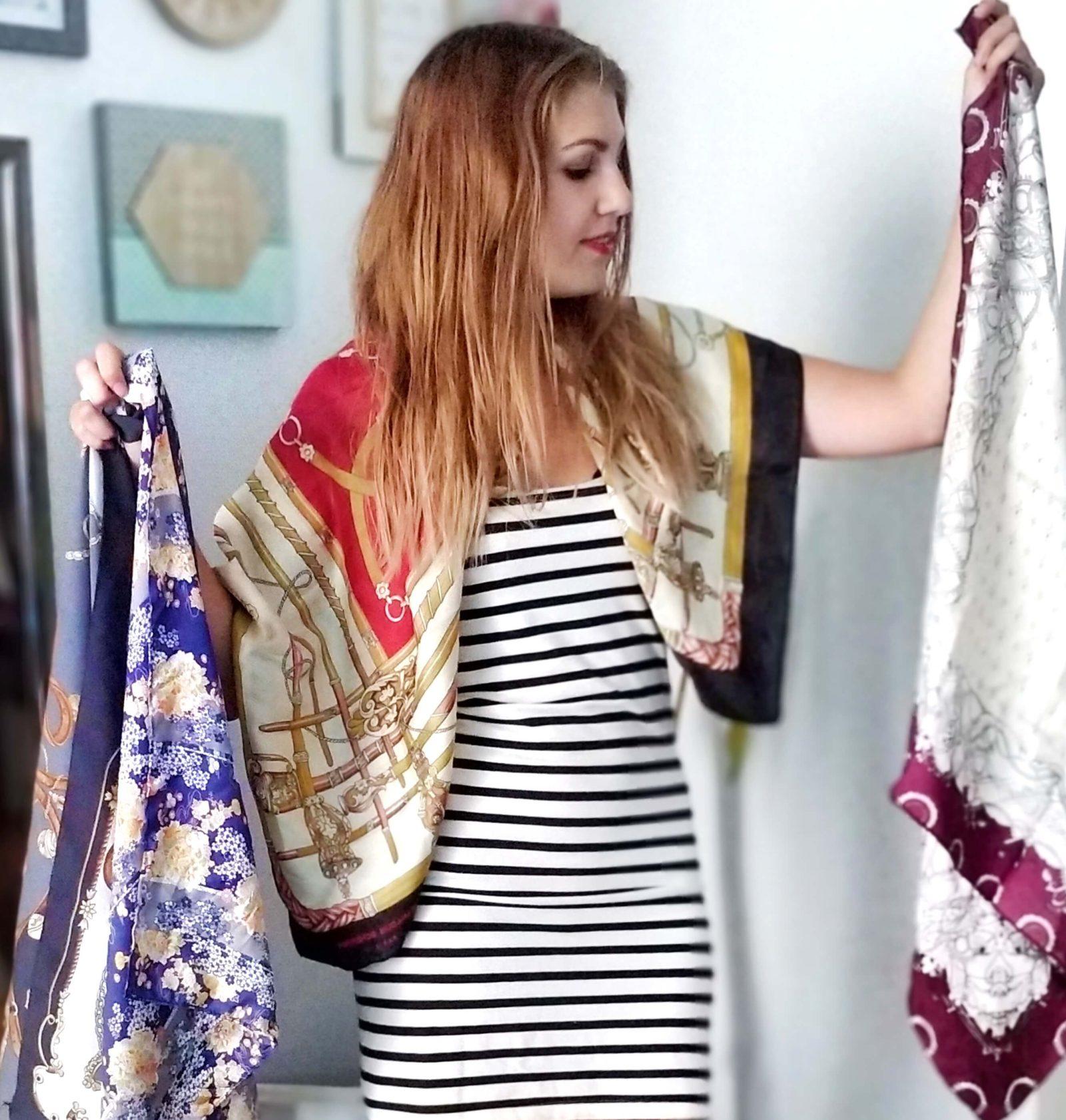 comment porter foulard carré de soie tutoriel 1600x1683 - Que faire avec un carré de soie ?