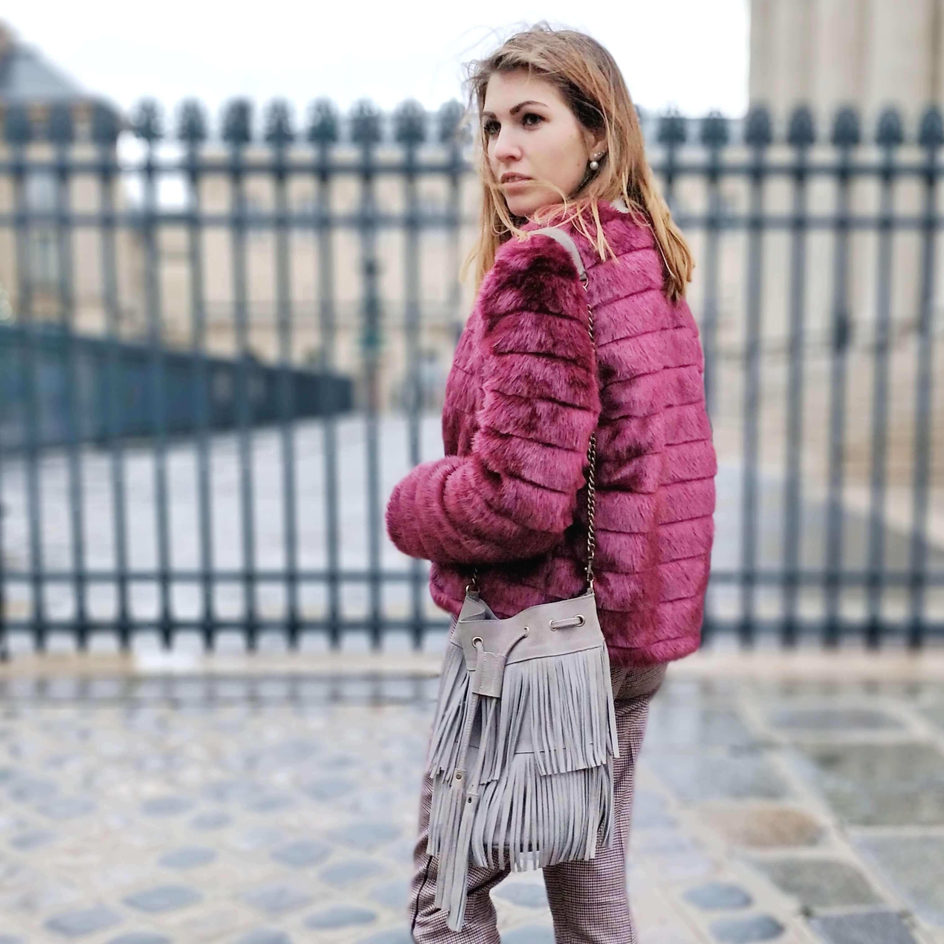 détails manteau fausse fourrure bordeaux blog 19 janvier - L'hiver en fausse fourrure