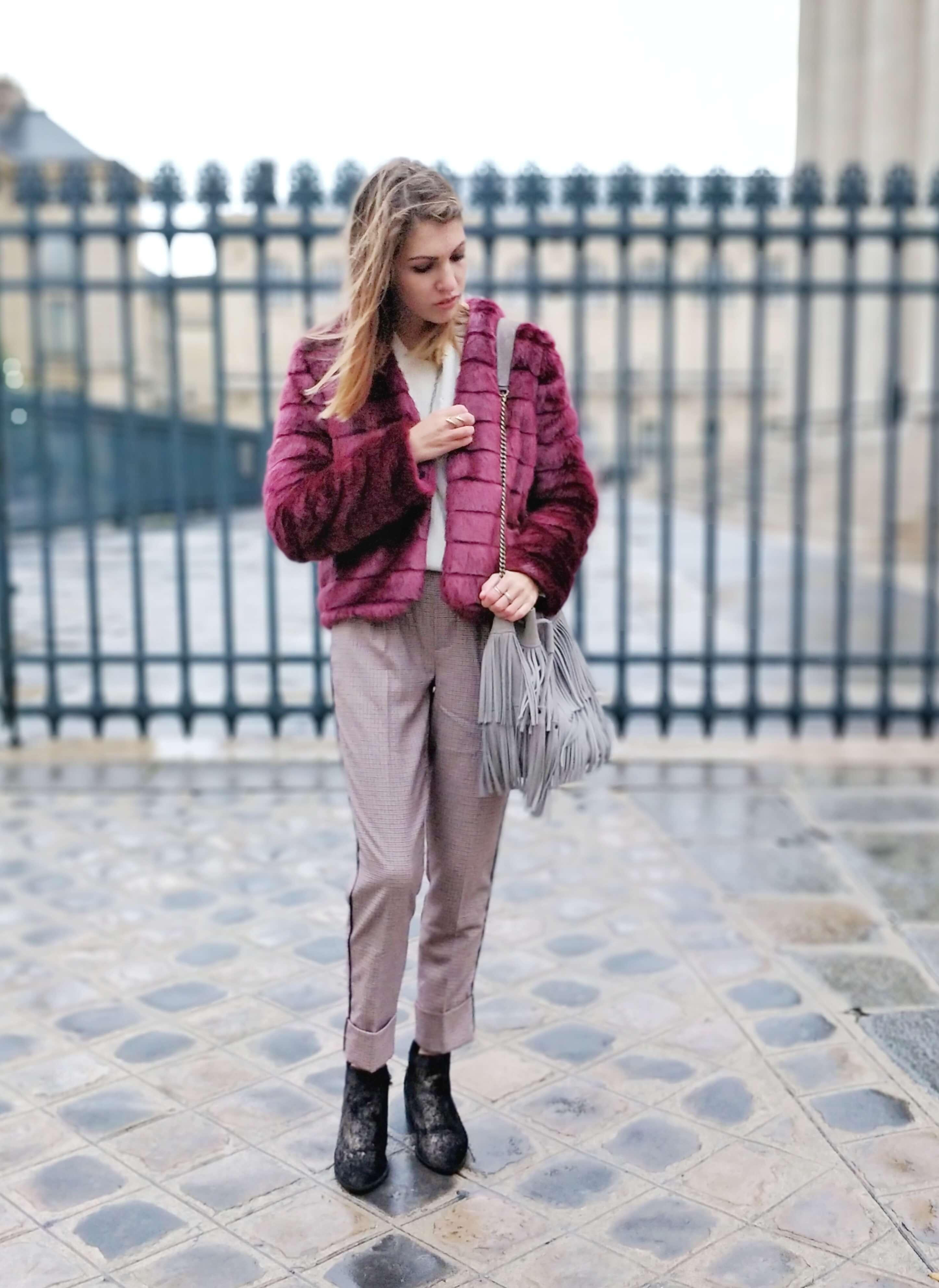tenue manteau fausse fourrure bordeaux - L'hiver en fausse fourrure