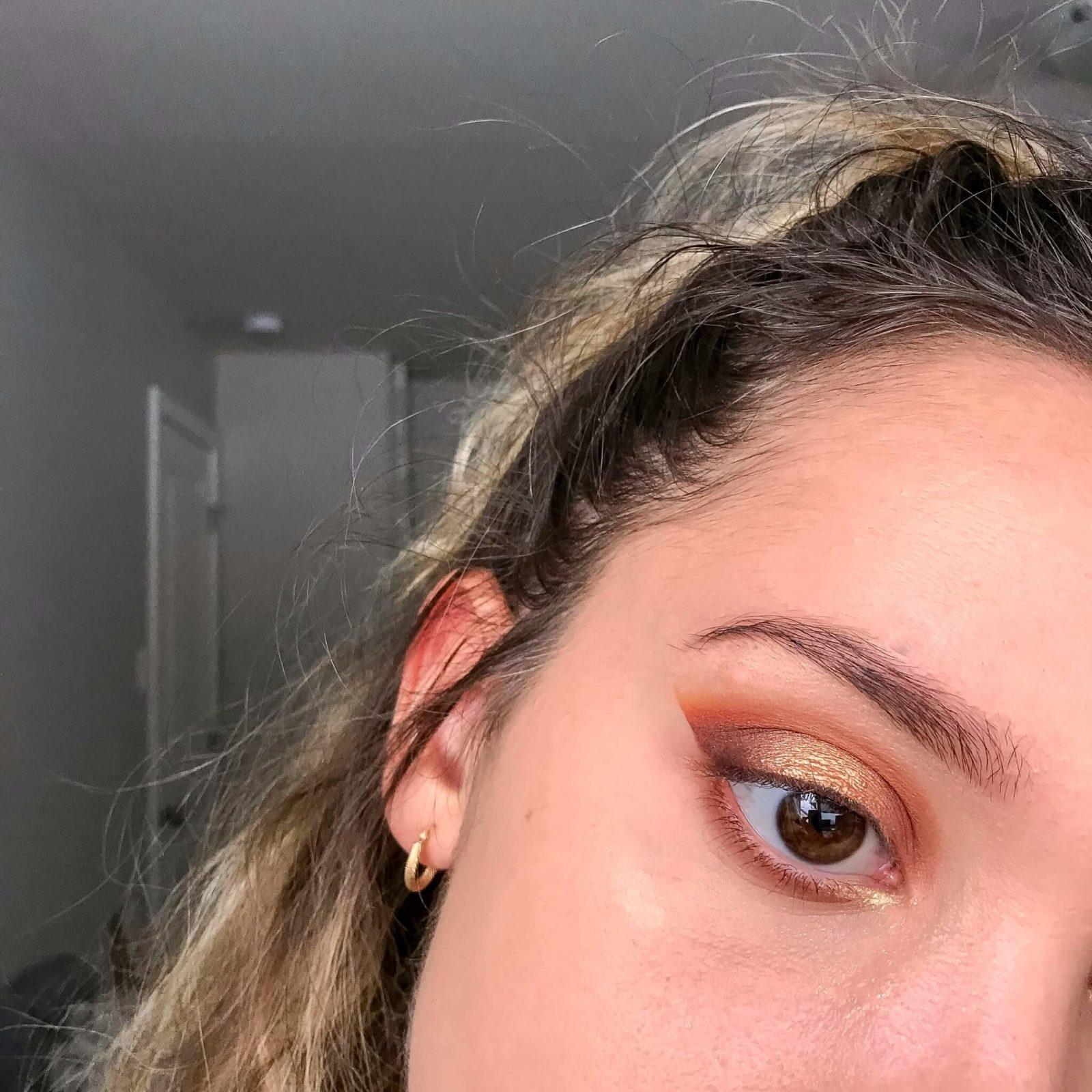 tuto makeup fetes etape 8 1600x1600 - Un maquillage de fête avec Clara s'emballe