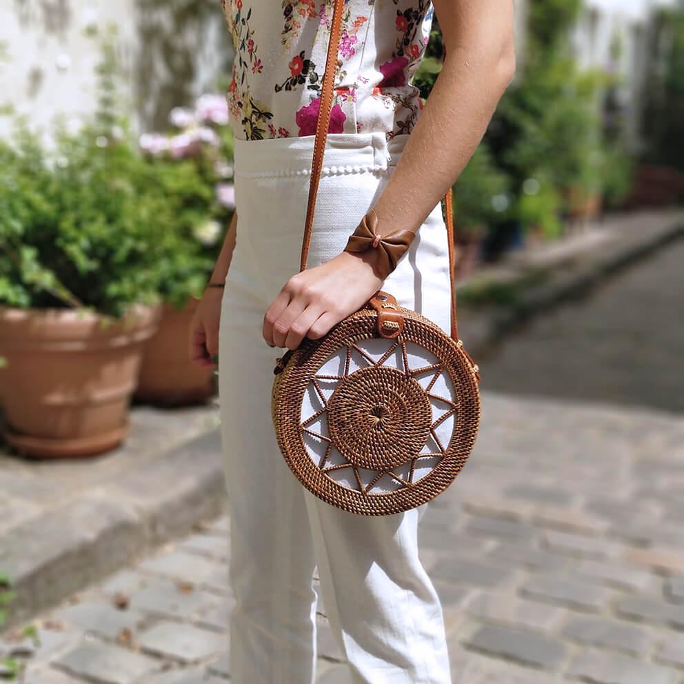 manchette cuir little madame sac rond panier bali blogueuse mode paris - De la verdure et du soleil