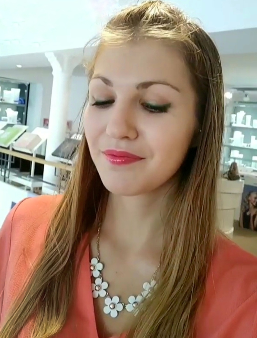 Maquillage blogueuse beauté parfumerie burdin paris - Un maquillage frais pour l'été avec la Parfumerie Burdin