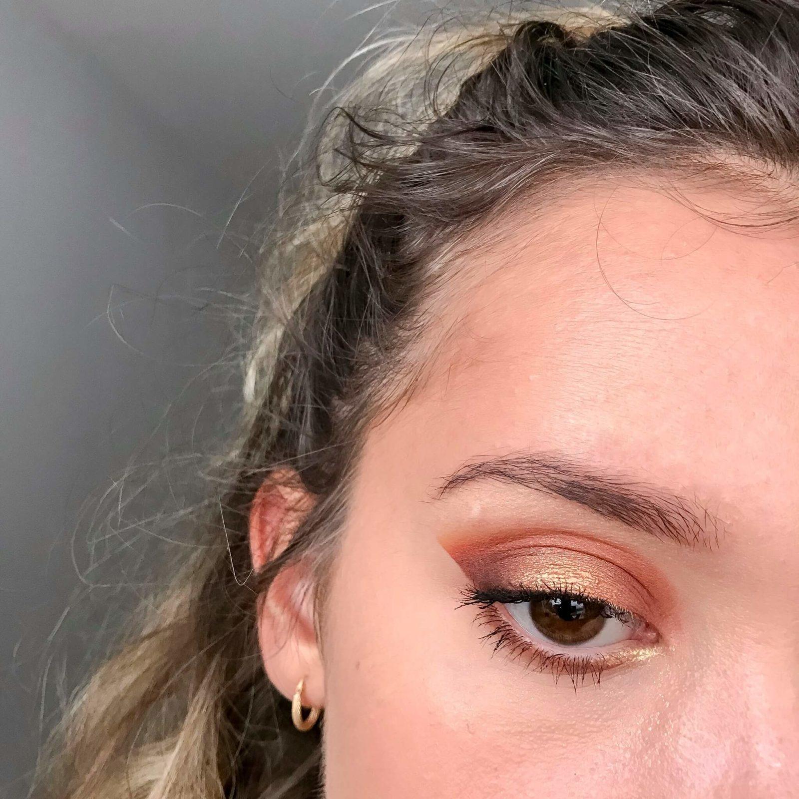 tuto makeup fetes etape 9 1600x1600 - Un maquillage de fête avec Clara s'emballe