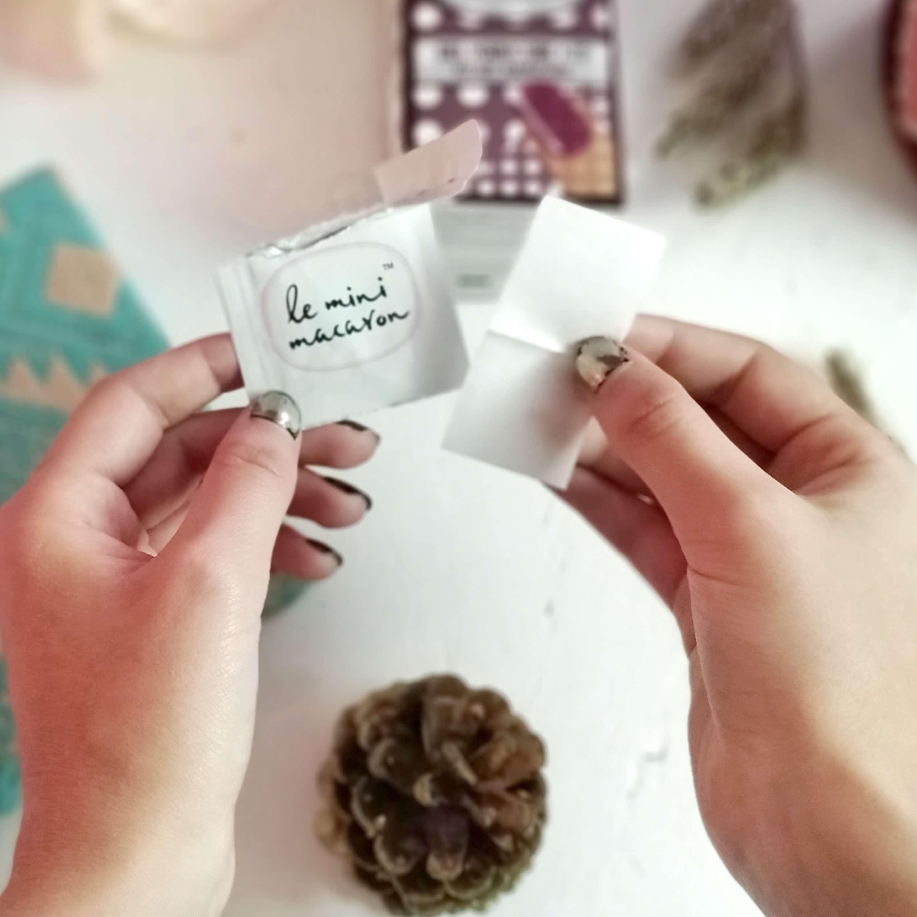 enlever vernis semi permanent mini macaron - Une manucure semi-permanente à faire...chez soi