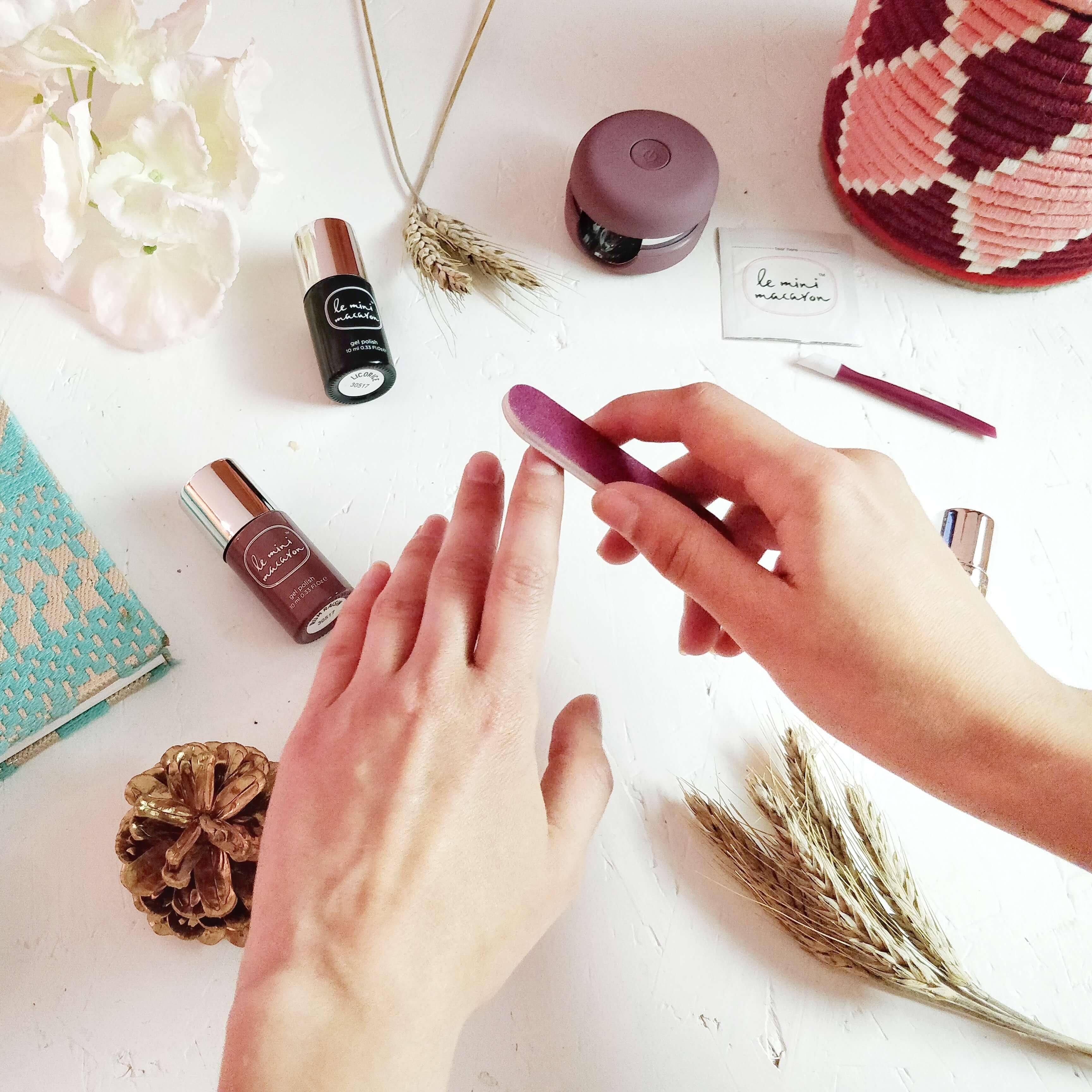 tutoriel le mini macaron blog - Une manucure semi-permanente à faire...chez soi